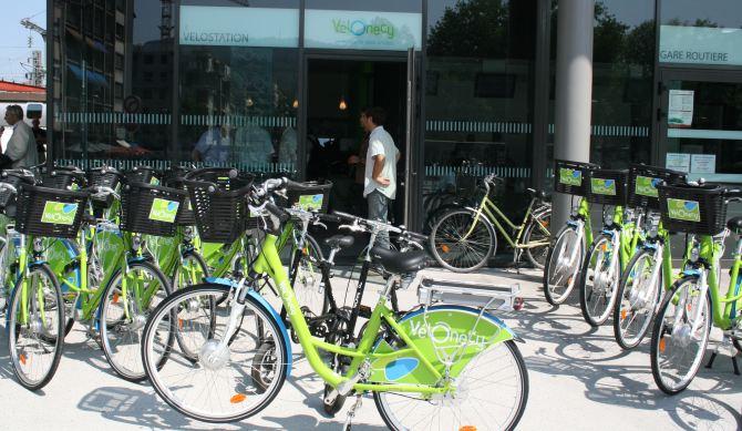 location de vélos à la gare d'annecy - mobilité douce