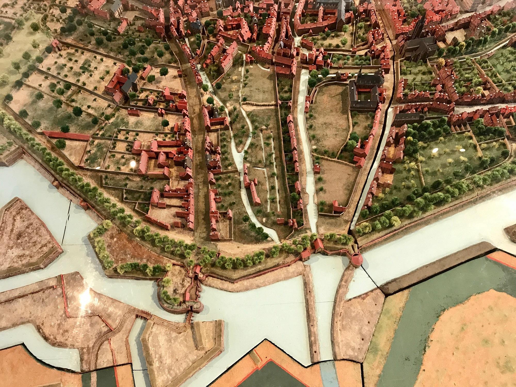 Plan relief de Douai